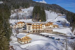 Hotel Berghof - 2-6 pe...